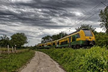 Gysev 4744 kurz vor dem Bahnhof Müllendof als Regionalexpress