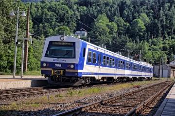 ÖBB 4020 im Bahnhof Semmering