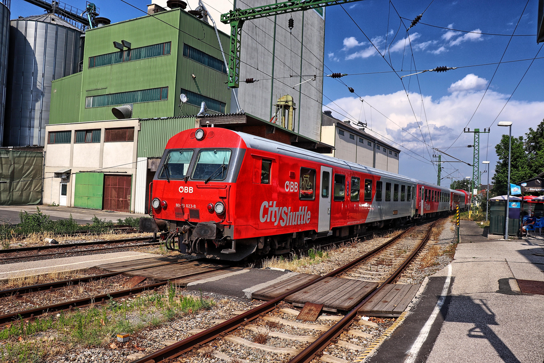 ÖBB 8073 Steuerwagen im Bahnhof Deutschkreutz