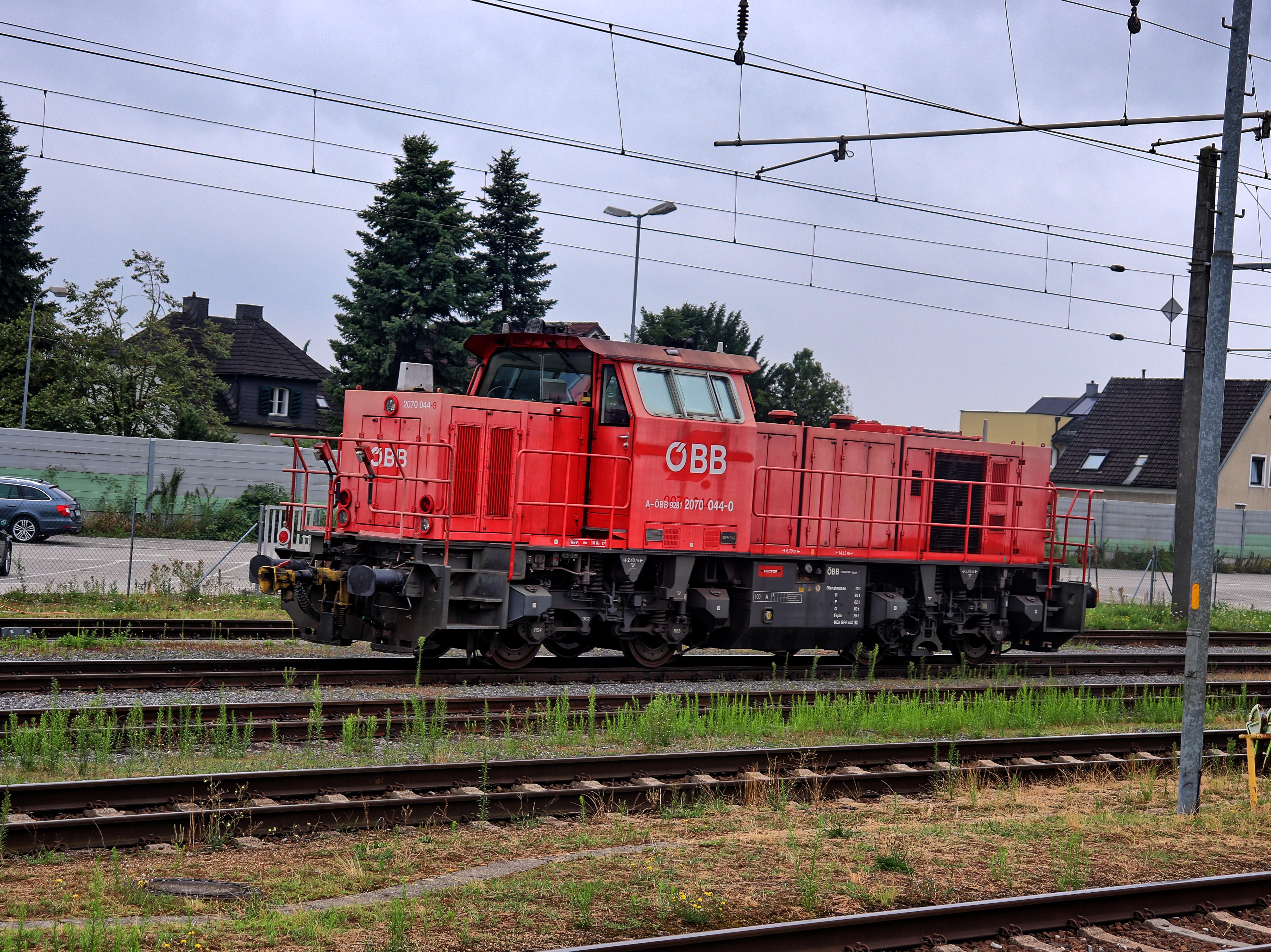 ÖBB 2070 im Bahnhof Pöchlarn