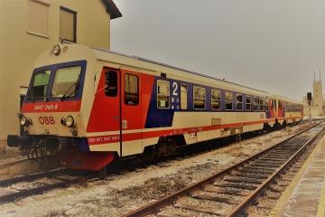 ÖBB 5047 in Doppeltraktion in Groß Schweinbarth